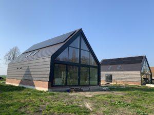 Hoogwaardige en als best geteste zonnepanelen > SolarWatt Glas-Glas zonnepanelen op twee nieuwbouw woningen - Valthermond/ Drenthe