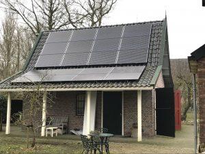 Zonnepanelen in Jelsum bij Leeuwarden in Friesland geplaatst 2018