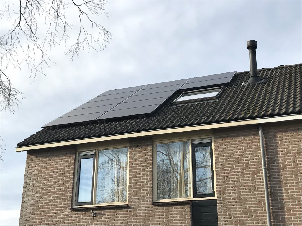 SolarWatt zonnepanelen geplaatst in Wierden