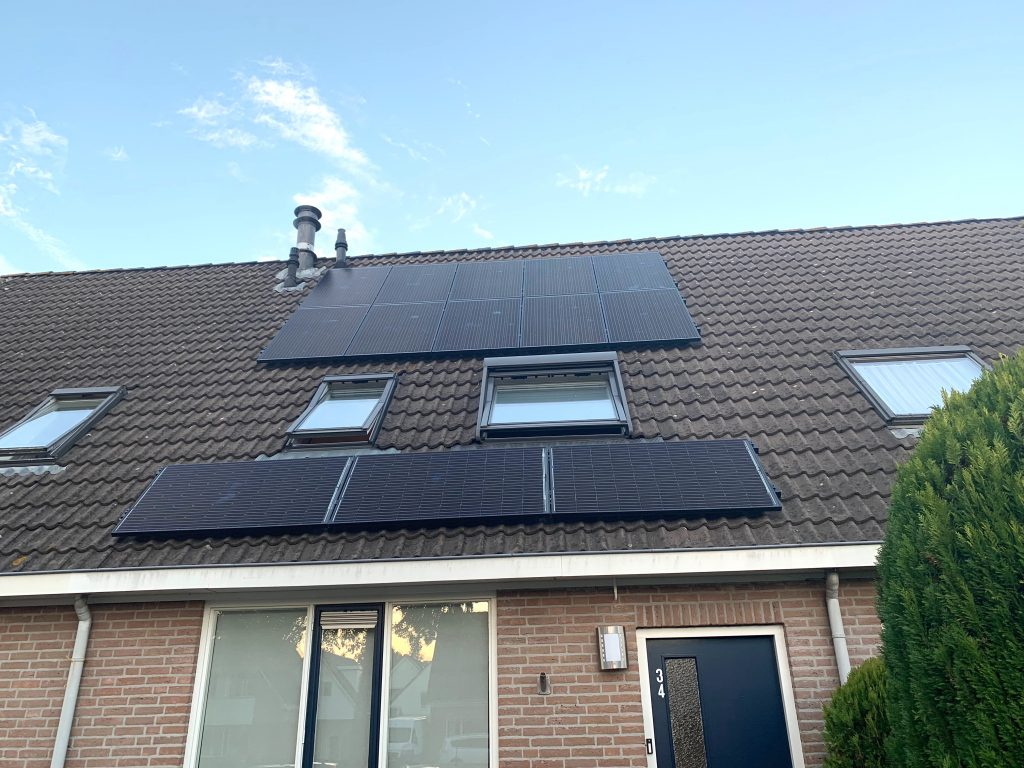 SolarWatt Glas-Glas zonnepanelen in Koekange met SolarEdge omvormer