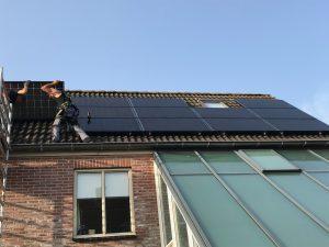 Zonnepanelen in Nijeveen Solarwatt op schuin dak