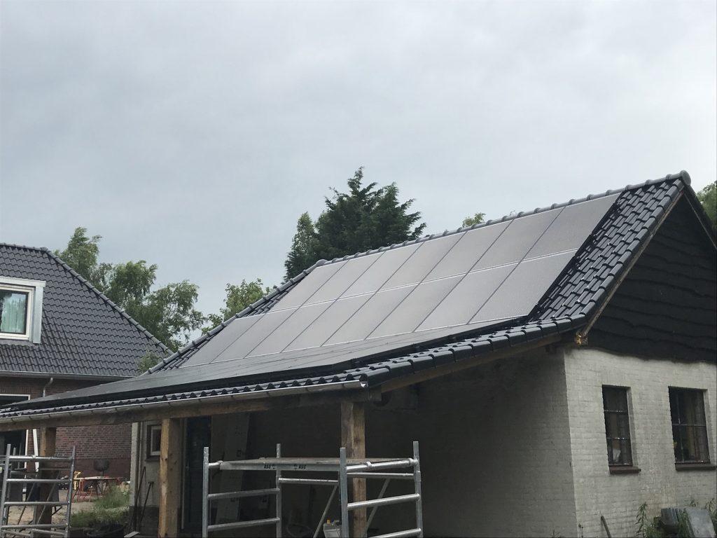 SolarWatt glas-glas zonnepanelen in Friesland - Nijemirdum
