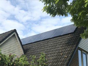 21 Nederlandse Exasun Glas-Glas zonnepanelen geïnstalleerd in Nijemirdum in Friesland door GroenOpgewekt 5.0 uit Meppel.
