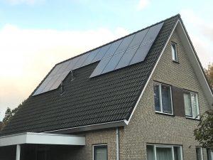 SolarWatt Glas-Glas zonnepanelen en een SolarEdge omvormer in de Wijk (Gemente de Wolden) geïnstalleerd