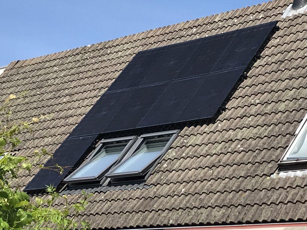 SolarWatt Glas-Glas zonnepanelen in Kampen geïnstalleerd door GroenOpgewekt 5.0 uit Meppel - Boudesteyn Hypotheken en verzekeringen