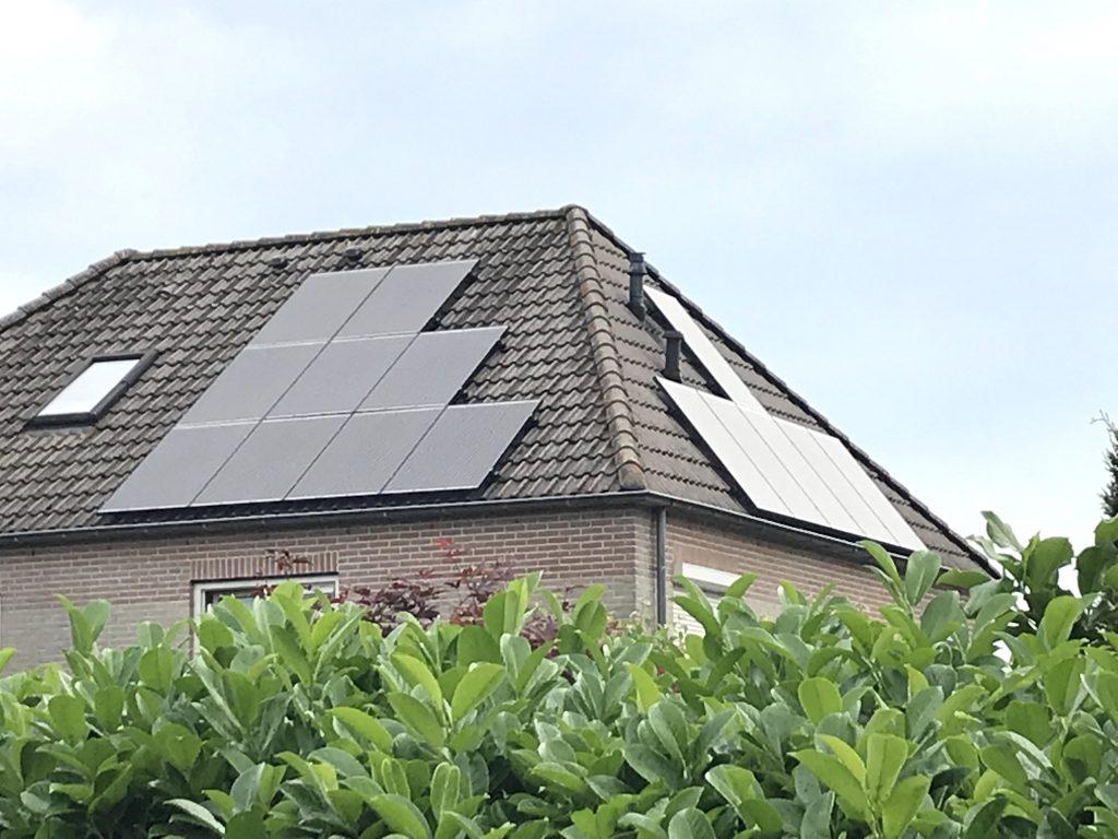 SolarWatt Glas-Glas zonnepanelen geïnstalleerd door GroenOpgewekt 5.0 uit Meppel in Ruinerwold 2018