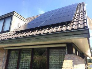 Solarwatt glas glas zonnepanelen geplaatst in Vollenhove, provincie Overijssel