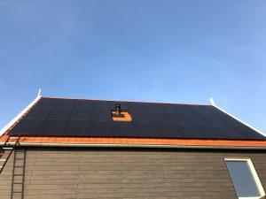 SOLARWATT GLAS-GLAS ZONNEPANELEN icm een SolarEdge omvormer met power optimizers GEPLAATST IN LEEUWARDEN - Goutum
