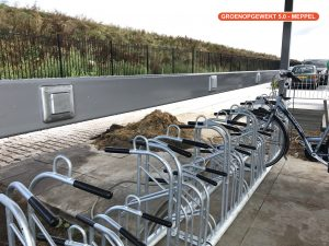 Zonnecarport met oplaadpunten voor de elektrische fiets
