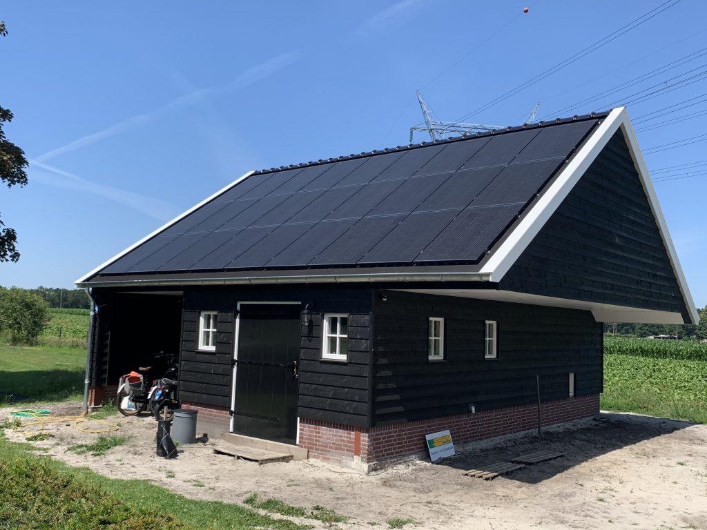 SolarWatt Glas-Glas zonnepanelen geplaatst in Hattem